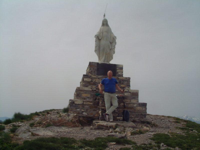 De madonna op de top van de Monte Frontè. Vergeet niet het 'gastenboek' te tekenen